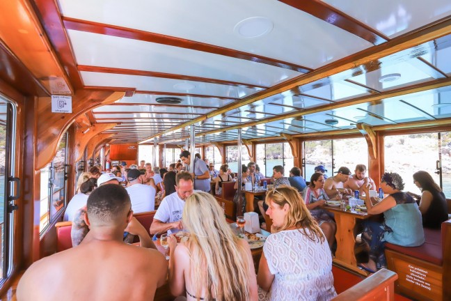 Kaş Kekova Tekne Turu, Paylaşımlı Limandan hareketli